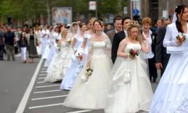 Што всушност се крие зад трите најголеми свадбени традиции...