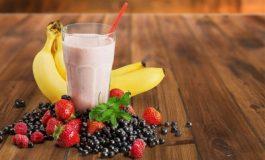 Започнете го утрото со смути од банана и јагоди