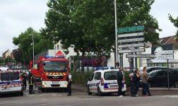 Тројца загинати при заложничката криза во црква во Франција