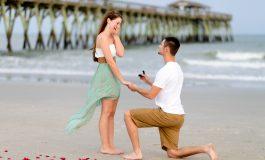 Еве зошто мажите клекнуваат кога запросуваат девојка