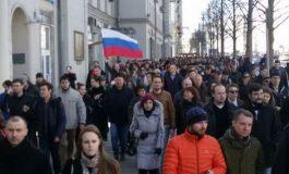 При протестите во Русија уапсени се најмалку 500 демонстранти