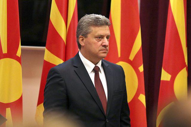 Иванов да не го потпишува штетниот закон за употреба на јазиците