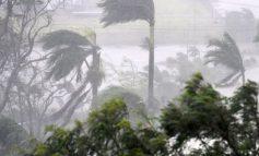 Циклонот Деби предизика хаос во Австралија (видео)