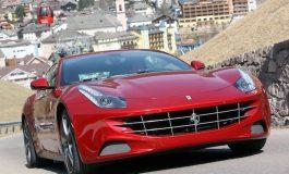 """Црвеното """"Ферари"""" на Трамп продадено на аукција за 270.000 долари"""