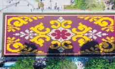 """Во Истанбул посаден """"килим"""" од лалиња"""