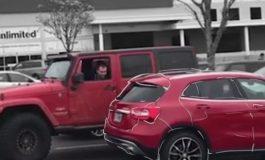 ВИДЕО ЛУДОРИИ: Возач паркираше непрописно, па научи вредна животна лекција