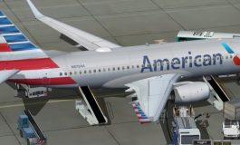 """Патник се обиде да упадне во пилотската кабина на авион на """"Американ Ерлајнс"""""""