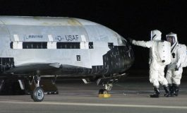 """Тајниот американски авион """"Х37"""" се врати на Земјата по две години во вселената"""
