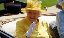 Британската кралица пријавена во полиција затоа што не и бил врзан појасот