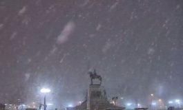 ВИДЕО:    Снег во Чиле, една жртва и прекин на струјата во Сантијаго