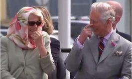 ВИДЕО ЛУДОРИИ:  Чарлс и Камила се скинаа од смеење на свечен настан