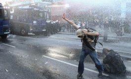 Најмалку 76 полицајци се повредени во судири со антиглобалисти во Хамбург