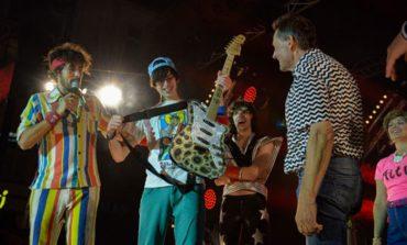 """ВИДЕО:   Американец победник во """"свирење воздушна гитара"""""""