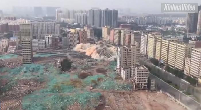 ВИДЕО ЛУДОРИИ:  Кинезите урнаа 36 солитери за 20 секунди
