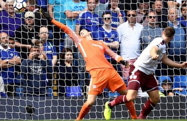 Шампионот Челзи поразен од Барнли на стартот на новата сезона во Премиер лигата