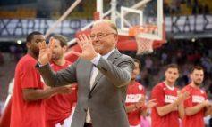 ВИДЕО: Легендата Дуда Ивковиќ замина во кошаркарска пензија