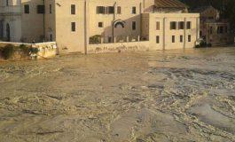 Петмина загинати во поплавите што ја зафатија Италија