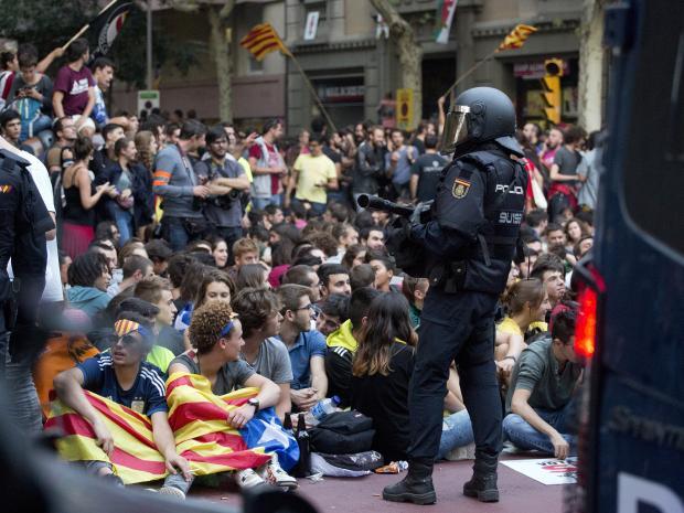 Истекува рокот до кој Пучдемон треба да се изјасни дали прогласил независност на Каталонија