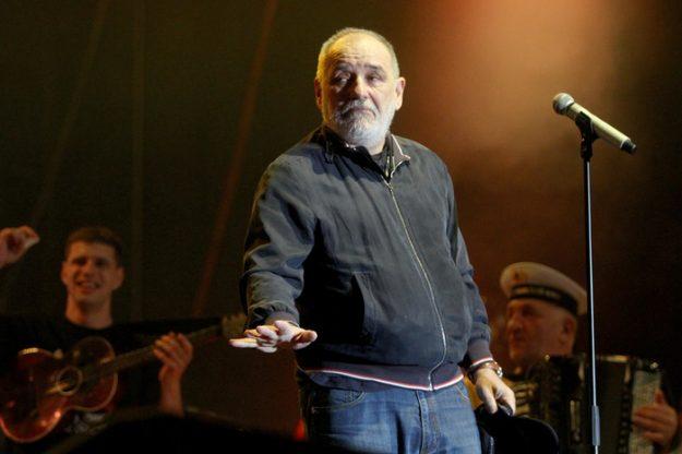 ВИДЕО:    ЌЕ МИ ПЛАТИТЕ ЗА СЕ: Балашевиќ го прекина концертот во Загреб