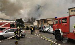 Едно лице загина, а 18 се повредени при експлозија во терминал за природен гас