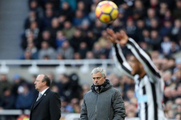 Ширер: Мурињо греши, Њукасл заслужено го победи Манчестер Јунајтед