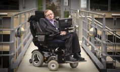 Генијалецот  Стивен Хокинг починал рано утрото